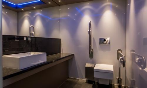 Chemisch Toilet Huren : Toiletwagens huren luxe toiletwagens en zeer goedkoop hjverhuur